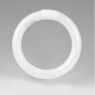 Osram T9-C Ringform Leuchtstofflampe 22W/827 warmweiß
