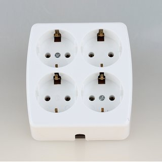 Kaiser Tischsteckdose Steckdosenleiste weiß 4-fach quadratisch 250V/16A ohne Kabel mit Bodenplatte